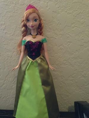 Anna muñecas