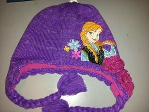 Anna hat