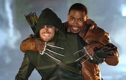 Laisalves8 Обои possibly containing a green берет and a стрелок titled Arrow-Season 2