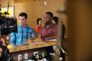 "Behind the Scenes фото from NEW GIRL - ""All In"""