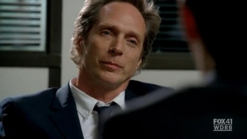 William Fichtner দেওয়ালপত্র containing a business suit, a suit, and a three piece suit titled Bill