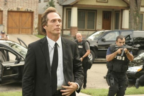 William Fichtner দেওয়ালপত্র with a business suit called Bill