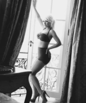 Christina Aguilera Maxim 2013