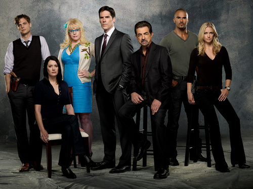 Criminal Minds wallpaper containing a business suit, a suit, and a dress suit titled Criminal Minds