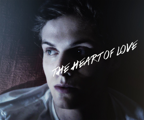 Daniel Sharman Hintergrund possibly containing a sign and a portrait called Daniel Sharman ♥