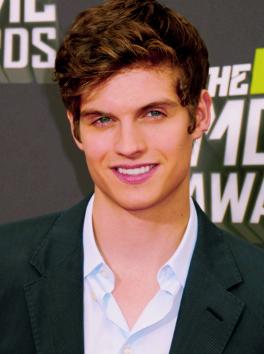 Daniel Sharman wallpaper containing a business suit and a suit called Daniel Sharman ♥