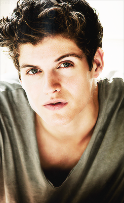Daniel Sharman wallpaper possibly containing a cloak titled Daniel Sharman ♥