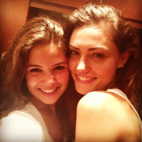 Danielle campbell and phoebe tonkin - photo#19