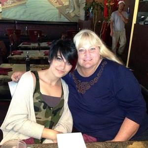 Debbie And Daughter, Paris