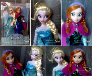 Elsa and Anna anak patung