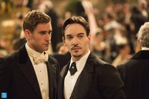 Dracula NBC fondo de pantalla with a business suit and a suit called Episode 1.01 - Pilot