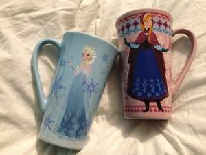 겨울왕국 Mugs