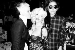 Gaga da Terry Richardson: Lady Gaga, Daphne Guiness, and Amanda Lepore #2