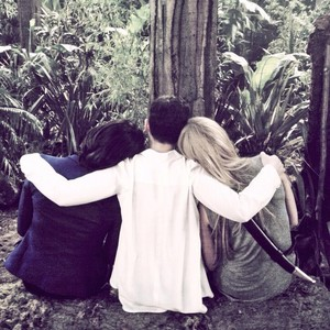 Ginny, Lana and JMo - OUAT season 3 set