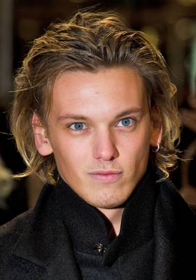 Jamie Campbell Bower wallpaper with a portrait titled Jamie ♥