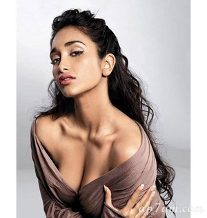 Jiah Khan (born Nafisa Rizvi Khan, 20 February 1988 – 3 June 2013)