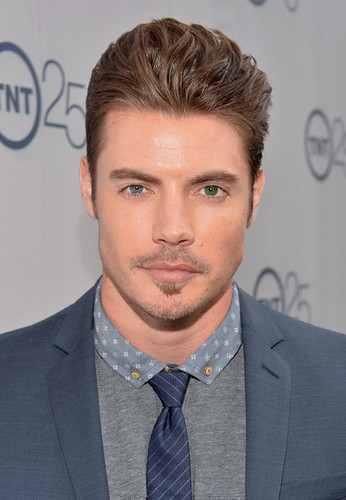 Josh Henderson wallpaper with a business suit and a suit called Josh Henderson at TNT's 25th Anniversary