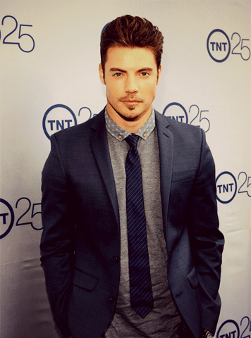 Josh Henderson wallpaper with a business suit, a suit, and a three piece suit entitled Josh Henderson at TNT's 25th Anniversary