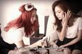 Krystal & Victoria ( f(x) ) - merah jambu Tape
