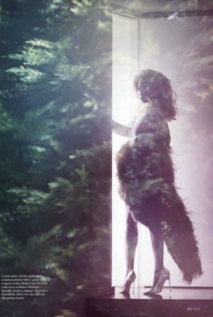 Lady Gaga for Elle Magazine kwa Ruth Hogben