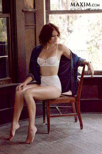 Lauren Cohan Hintergrund probably with bare legs, hosiery, and tights called Lauren Cohan// Maxim Magazine October 2013