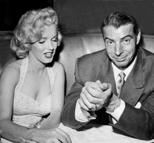 Marylin And секунда Husband, Joe DiMaggio