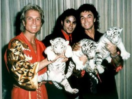 Michael Backstage With Good Friends, Siegfried and Roy