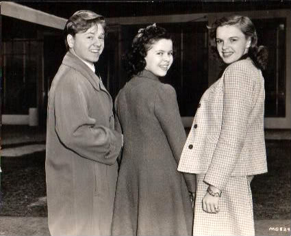 http://images6.fanpop.com/image/photos/35500000/Mickey-Rooney-Shirley-Temple-Judy-Garland-judy-garland-and-mickey-rooney-35571944-425-345.jpg