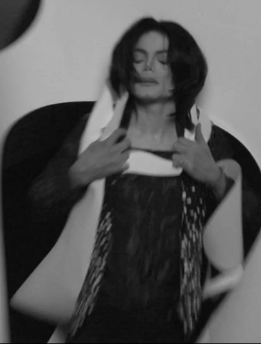 Michael Jackson wallpaper probably containing a washroom titled Never before seen Uomo Vogue 2007 photoshoot