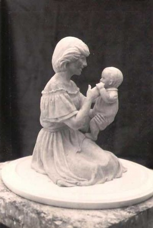 Sculpture: 'Princess Diana with William'