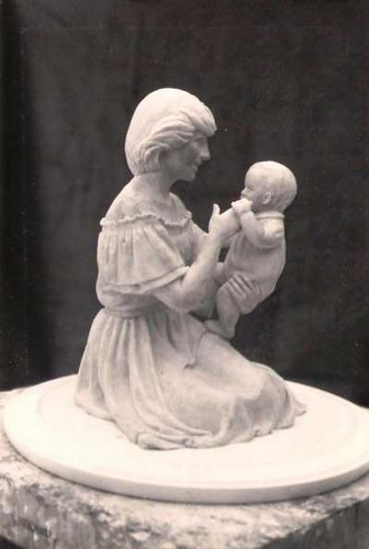 Prinzessin Diana Hintergrund titled Sculpture: 'Princess Diana with William'