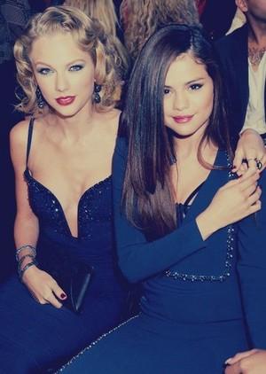 Selena Gomez VMA 2013