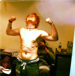 Sheeran shirtless