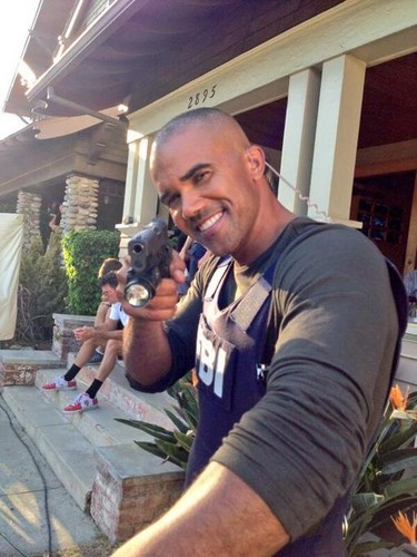 Shemar Moore 壁紙 with a green ベレー, ベレー帽 entitled Shemar