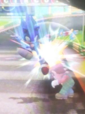 Sonic Powns Mario
