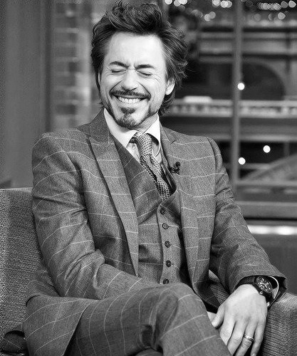 Robert Downey Jr karatasi la kupamba ukuta containing a business suit entitled Sweet Smile