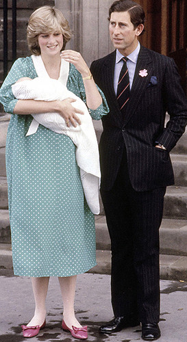 Prinzessin Diana Hintergrund with a business suit, a suit, and a well dressed person titled The Royal Family