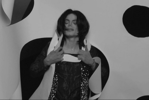 Michael Jackson wallpaper probably with a sign entitled Uomo Vogue 2007
