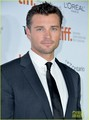 Zac Efron & Tom Welling: 'Parkland' Toronto Premiere! - tom-welling photo