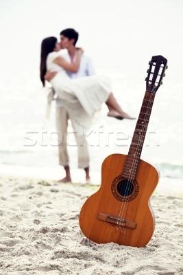 guitarra couple