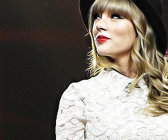 taylor rápido, swift - red