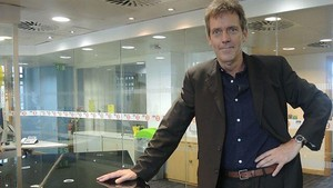 Hugh Laurie chats to Steve Wright 23.09.2013