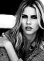 @MissClaireHolt