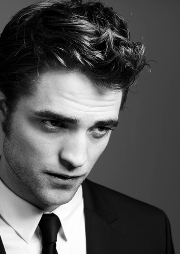 Robert Pattinson پیپر وال with a business suit and a suit called ☸ Robert Pattinson ☸