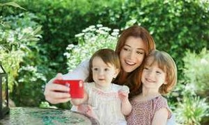 Alyson hannigan with her kids