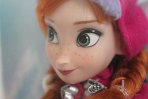 Anna Дисней Store doll