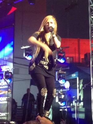 Avril Lavigne ~ Jimmy Kimmel Live