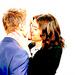 Barney/Robin kiss 9x02 <3