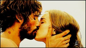 Cesar & Almudena kiss