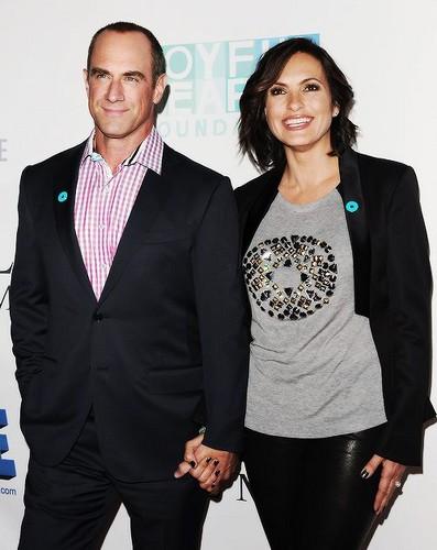 Elliot and Olivia wallpaper with a business suit titled Chris & Mariska - Joy Rocks No More 2013